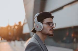 best over ear headphones thumbnail