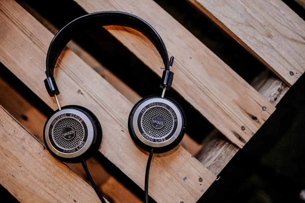 Wireless Vs Wired Headphones Which Ones For You