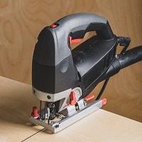 Jigsaw cutting plywood